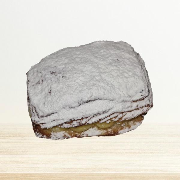 Crèmekoek Vierkant Met Bloemsuiker